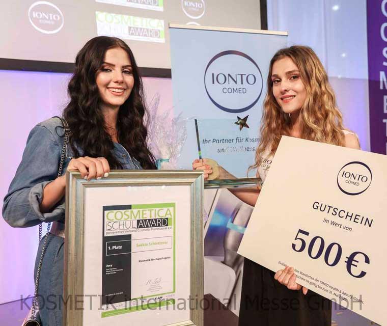 Finalistin beim COSMETICA Schul-Award